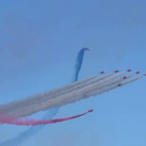 Airshow mix color with comfort, relaxation and easy flying