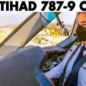 ETIHAD AIRWAYS Boeing 787-9 landing at Cairo